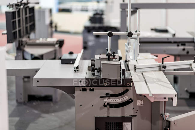 CNC profile milling machine in modern industrial facility. — Stockfoto