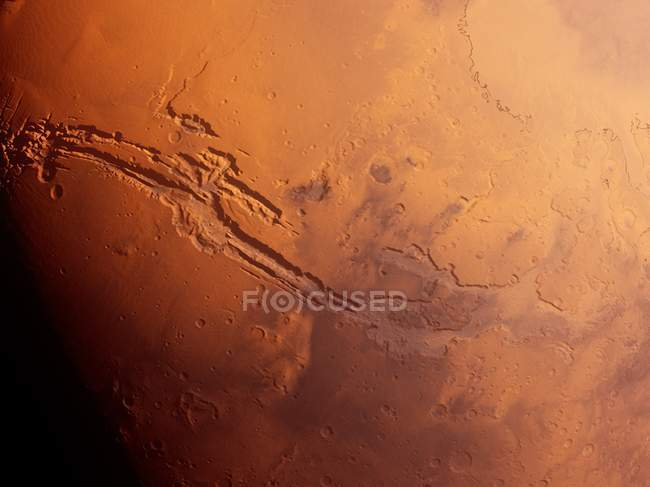 Valles marineris Canyons System auf der Marsoberfläche aus dem All, digitale Illustration. — Stockfoto
