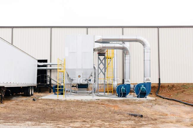 Construção industrial na fábrica — Fotografia de Stock