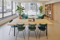 Amsterdam, Holanda - 6 de março de 2018: Interior de escritório moderno — Fotografia de Stock