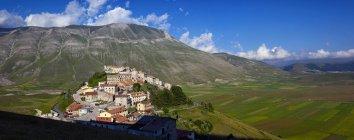 Antiguo pueblo de Castelluccio - foto de stock