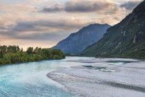 Tagliamento річка на заході сонця — стокове фото