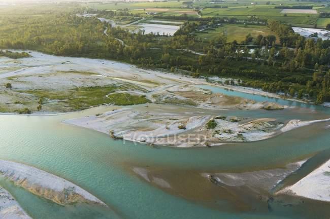Tierras de granja y Río de Piave - foto de stock