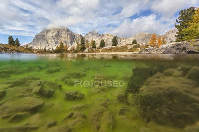 Autumn in Lake Limides — Stock Photo