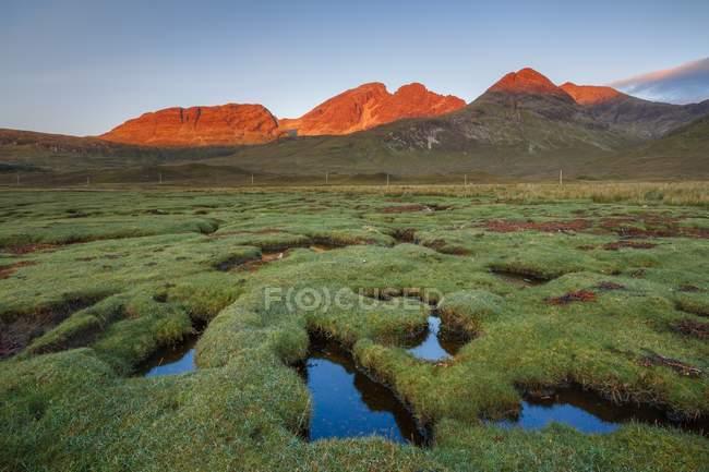 Ерозія каналів в Loch Slapin — стокове фото