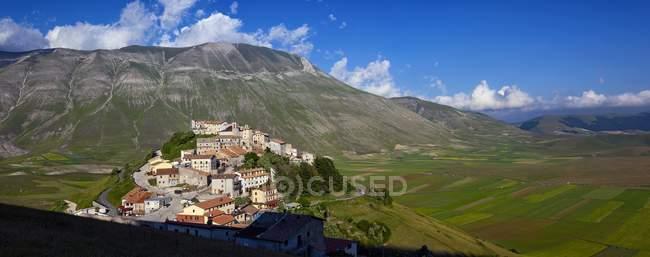Vieux village de Castelluccio — Photo de stock