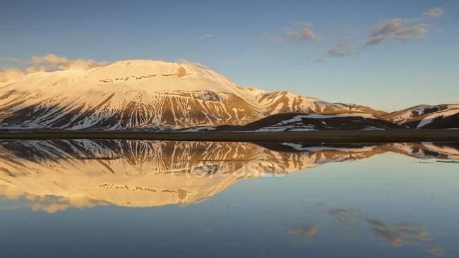 Descongelar en el lago Grande de Pian - foto de stock