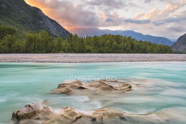 Tagliamento fiume al tramonto — Foto stock