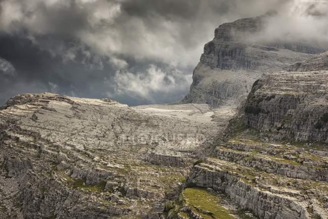 Dolomites de Brenta pendant la journée — Photo de stock