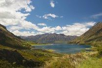 Vista del lago Wanaka - foto de stock