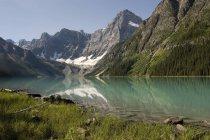 Lago Chephren, Parque Nacional Banff - foto de stock
