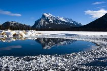 Mont rundle, banff national park, alberta, canada — Photo de stock