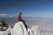 Male Hiker Sitting — Stock Photo