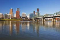 Willamette River And  Waterfront — Stock Photo