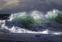 Wellen krachen auf Kap — Stockfoto