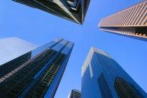 Blick auf Wolkenkratzer und Gebäude — Stockfoto