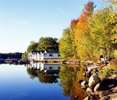 Ferienhäuser in neuen Seen in Hampshire — Stockfoto
