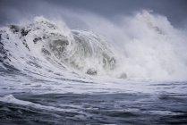 Große Wellenbrüche — Stockfoto