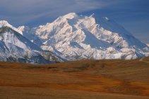 Гора Мак-Кинли в национальном парке Денали — стоковое фото