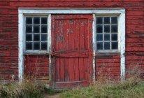 Verwitterte Scheune mit Wänden — Stockfoto