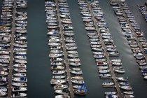 Barche parcheggiati nel wate — Foto stock
