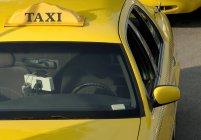 Gelbes Taxi — Stockfoto