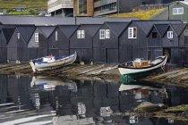 Bateaux maisons et bateaux — Photo de stock