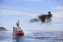Navire de briseur de glace — Photo de stock