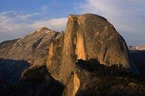 Meia cúpula no Parque Nacional de yosemite — Fotografia de Stock
