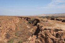 Скелястий краєвид з пагорбів — стокове фото