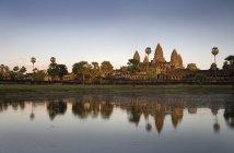 Angkor wat in der Stadt — Stockfoto