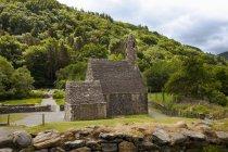 Каменное здание; графство Уиклоу — стоковое фото