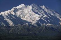 Заснеженные горы Мак-Кинли — стоковое фото