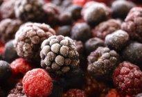 Свежие смешанные ягоды — стоковое фото