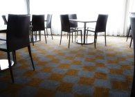 Tische und Stühle — Stockfoto