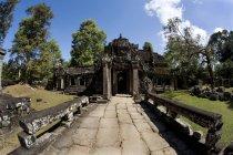 Руїни храму в стародавнє місто — стокове фото