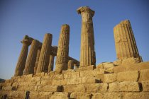 Pilastri del tempio greco — Foto stock