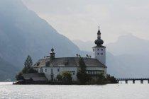 Schloss Ort, Traunsee Lake, Austria - foto de stock