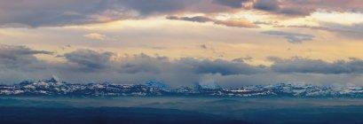 Vista de los Alpes; Suiza de Jura - foto de stock