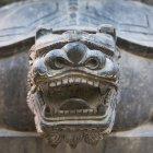 Начальник різьблені кам'яними тварин — стокове фото