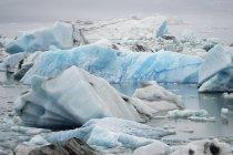 Laguna glaciale durante il giorno — Foto stock