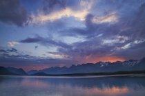 Верхню напрямку Kananaskis озеро — стокове фото