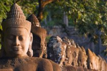 Statue della testa in Cambogia — Foto stock