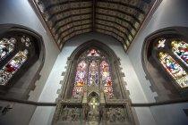 Vidrieras en la iglesia de San Andrés - foto de stock