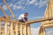 Tradesman Working On Framing — Stock Photo