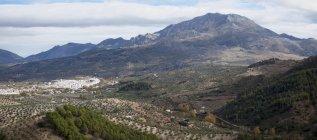 Village In Sierra De Las Nieves Park — Stock Photo