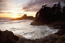 Waves At Cox Bay And Sunset Point — Stock Photo