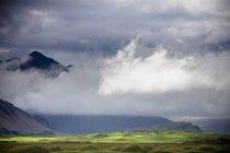 Nuvole basse — Foto stock
