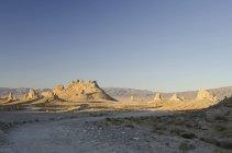 Trona Pinnacles в пустелі — стокове фото