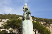 Möwe am Denkmal — Stockfoto